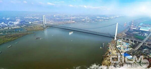 三一红林立!三一成套混凝土设备助力龙潭长江大桥建设