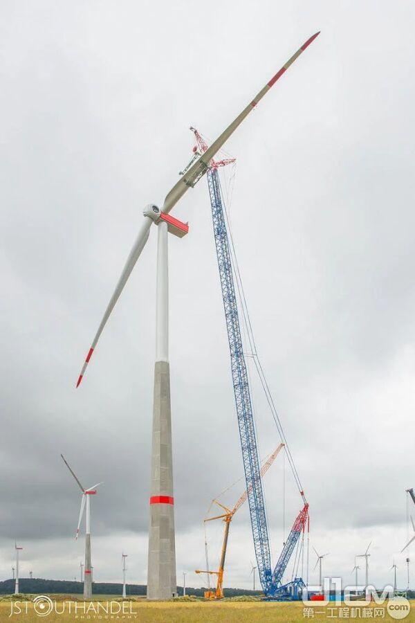 也就是说,一个50MW的风场有20台2.5MW的风机,一个风场的装机容量是5万千瓦