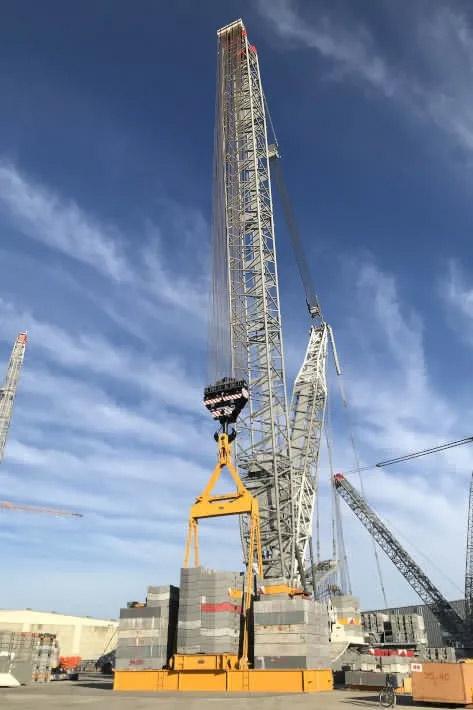 利勃海尔试LR 1800-1.0的吊钩悬挂了1