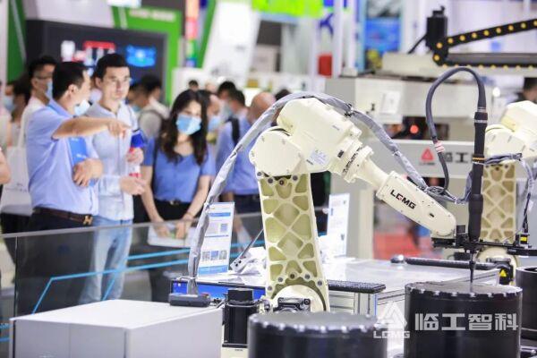 临工智科参加上海工博展