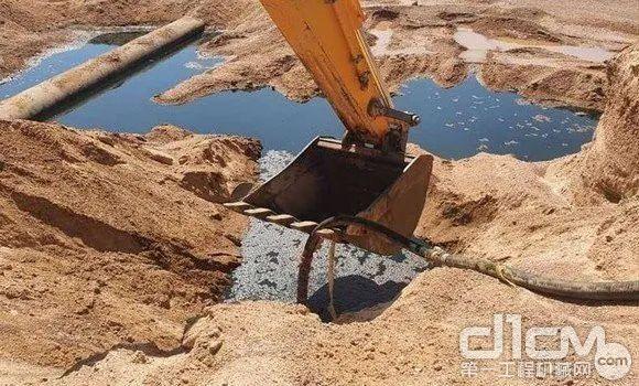 3台SY215C挖机立即投入工作