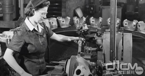 卡特彼勒工厂开始大量招募女性员工。