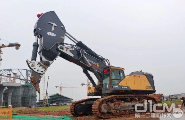 沃尔沃EC950EL 挖掘机