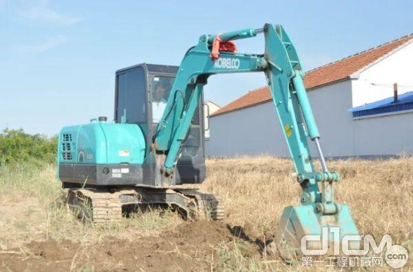 神钢SK60-10挖掘机