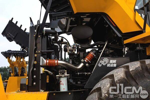 搭载广康QSL9.3电控发动机,额定功率为180kW,最大扭矩1187N·m