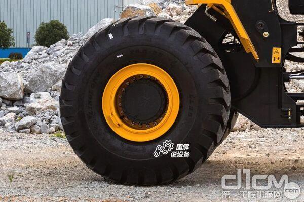 标配高层级轮胎大轮胎,有效抵抗轮胎磨损