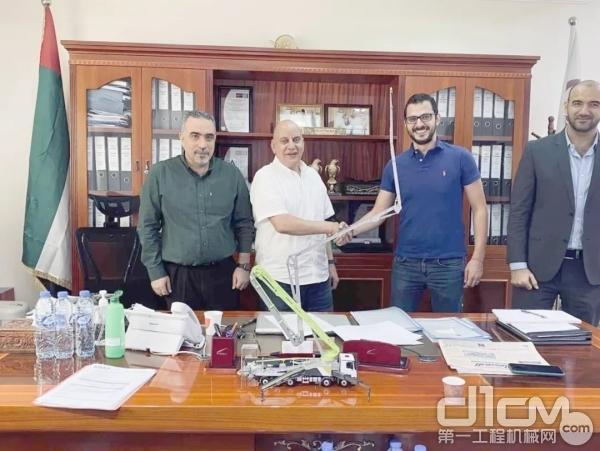 中联重科与阿联酋客户签约
