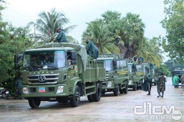 上汽红岩再出征 290辆重卡助柬埔寨抗洪救灾