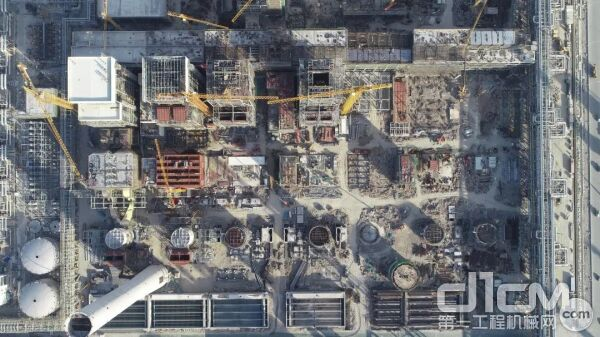 全球重化工领域最大一体化工程建设如火如荼 中联重科塔机高效助建大放异彩