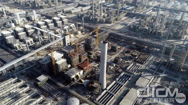 △中联重科塔机助建浙石化4000万吨/年炼化一体化项目二期工程
