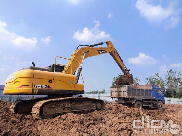 挖掘机日常工作省油小技巧