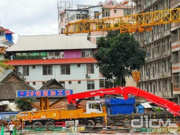 三一成套混凝土设备正在现场施工