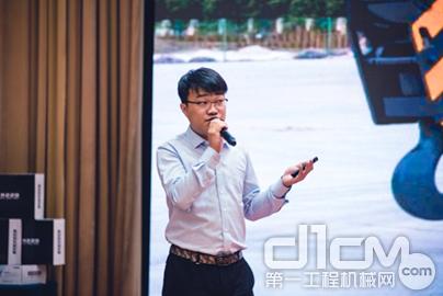 现场济南代表处销售经理宋博文先生对KC新品性能进行详细讲解