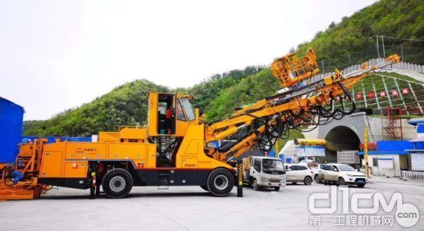 铁建重工智能型凿岩台车