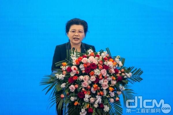江苏省徐州经济技术开发区党工委委员、管委会副主任姚桂梅致辞