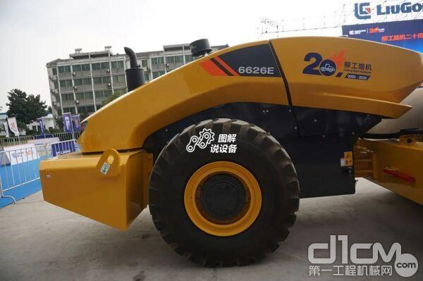 柳工CLG6626E无人驾驶压路机
