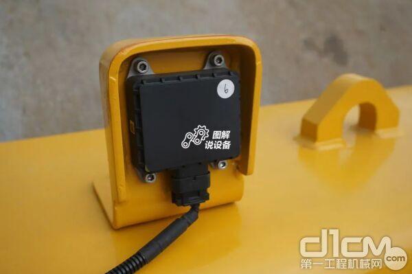 柳工无人驾驶压路机有自己的三重保险设计
