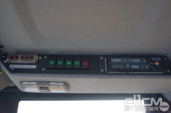 标配带USB口和FM调频收音机的音频(娱乐)系统、冷暖空调、风扇等增加舒适性的配置