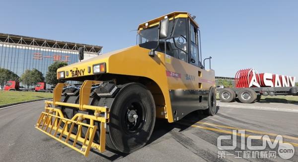 SPR300C-8S轮胎压路机