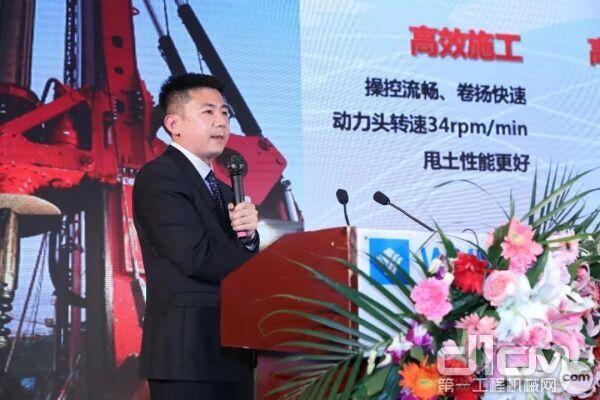 北京三一智造科技有限公司研究院副院长 王龙刚先生现场介绍新品