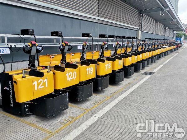 柳工CLG2020L-R3站驾式电动托盘搬运车