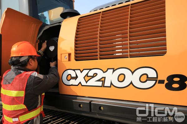 """凯斯""""CXC-8""""挖掘机"""