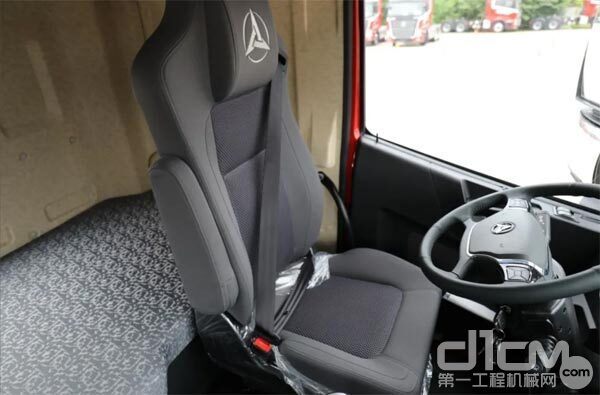 王道385采用了驾驶室四气囊悬置设计