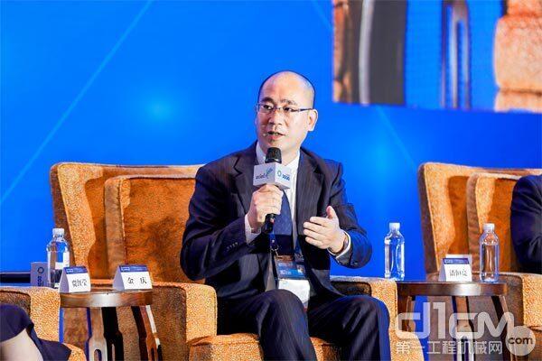 HCS产品支援事业部事业部长金庆出席高峰对话