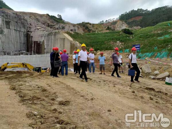 图:9月14日,广西壮族自治区,绿色矿山验收小组现场验收