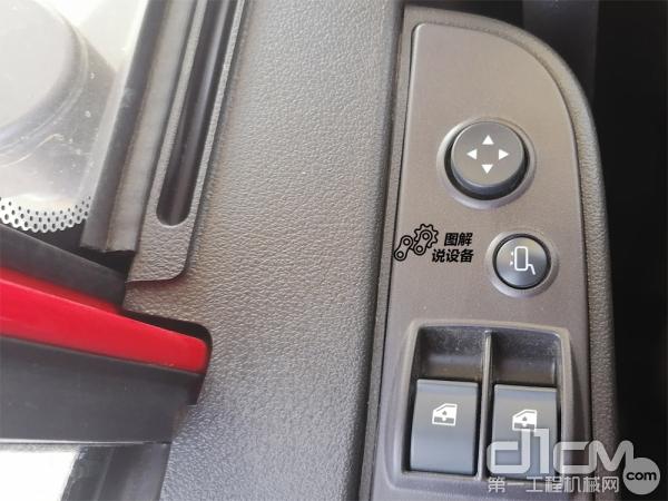 车窗玻璃及后视镜采用电动控制方式
