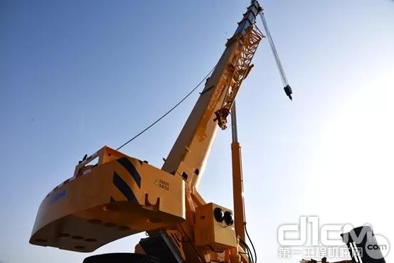 44.5m主臂+9m副臂,让QY30KC的覆盖能力更广!