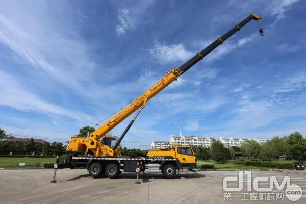 歡迎來到吊裝市場,柳工王牌30噸TC300C5請求出戰!