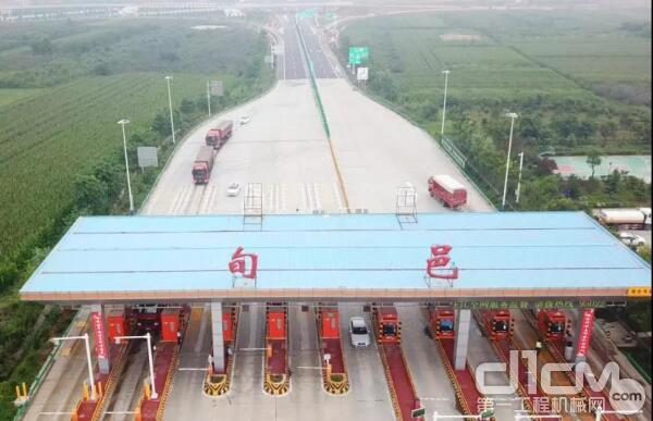 """旬凤高速是陕西省实现""""县县通高速""""的重点项目"""