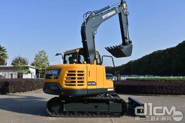 全新版现代7.5吨级小挖HX75