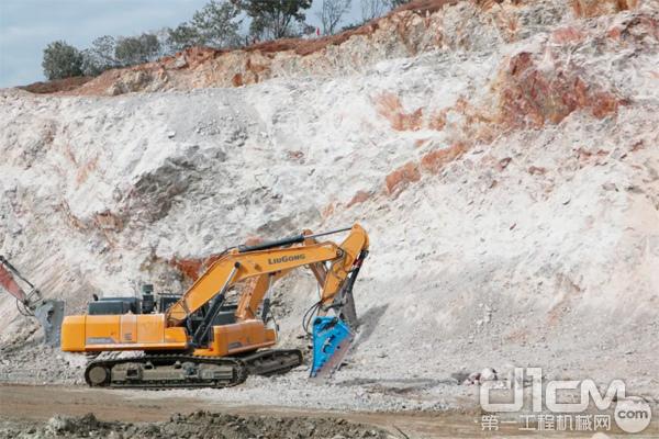 柳工956EHD挖掘机