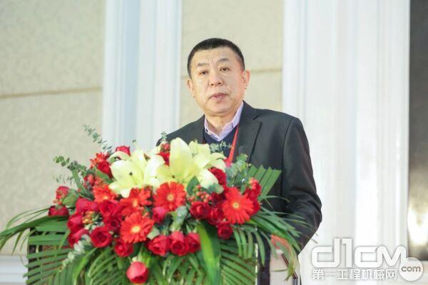 图片中国建筑材料联合会副会长 中国建筑材料企业管理协会会长 张东壮