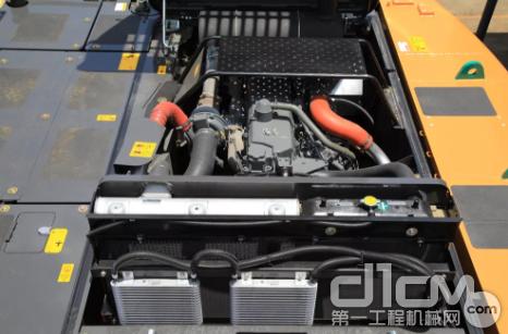 6缸直列五十铃GH-6HK1X发动机,净功率可达212kW