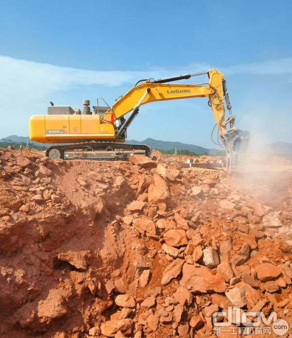 """有""""开山锤王""""之称的柳工956EHD挖掘机"""
