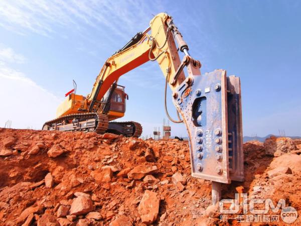 柳工956EHD挖掘机施工效率赢得客户称赞