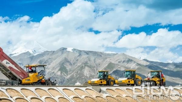 徐工成套道路机械用强悍性能验证高可靠