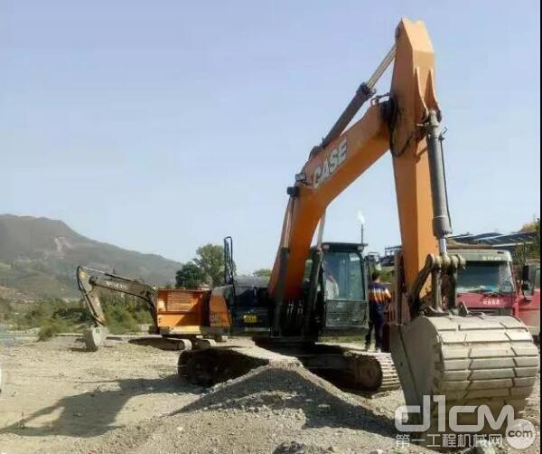 凯斯CX210C-8与凯斯CX240C是2020年表现抢眼的两款土方挖掘机