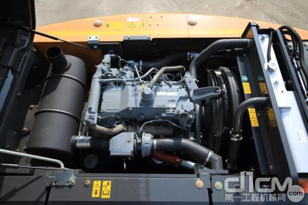 CX210C-8配备久经考验的五十铃4HK1发动机提供122kW强大功率支持