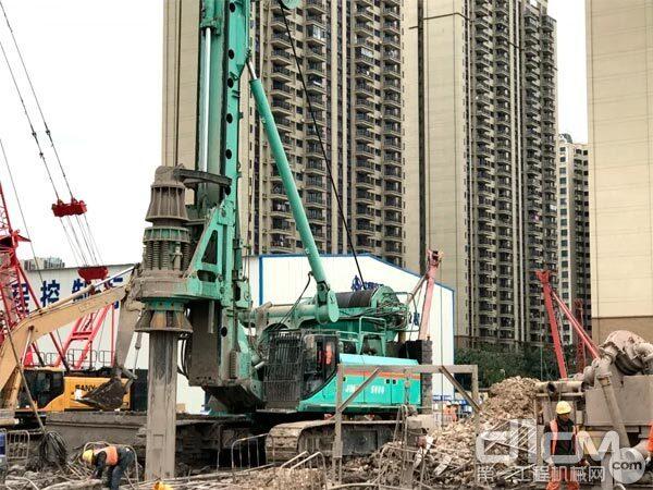 金泰旋挖在南国东路延伸线工程现场