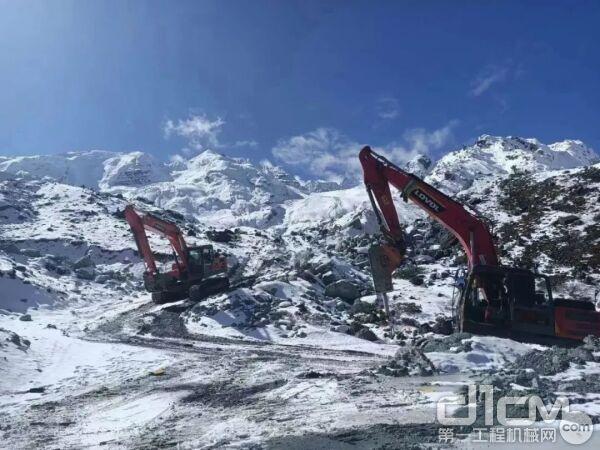 挖掘机冬季长期停放保养指南