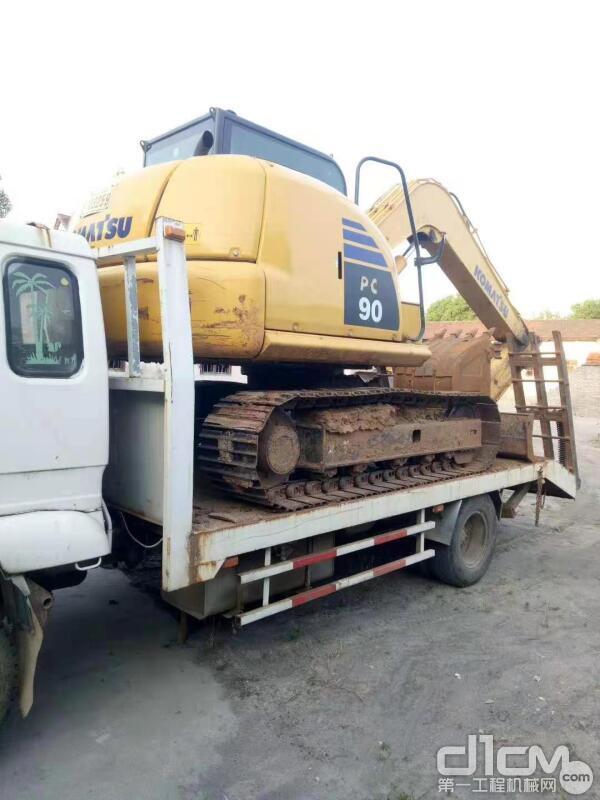 王老板的小松挖掘机