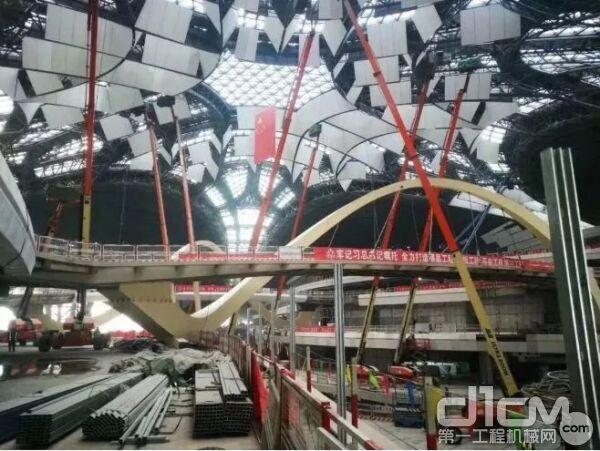 高空作业设备助力大兴机场建设