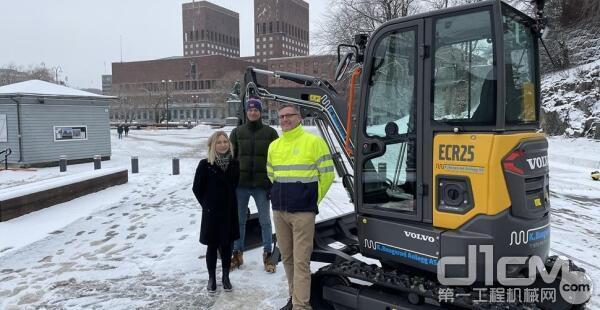 沃尔沃ECR25电动紧凑型挖掘机交付挪威客户
