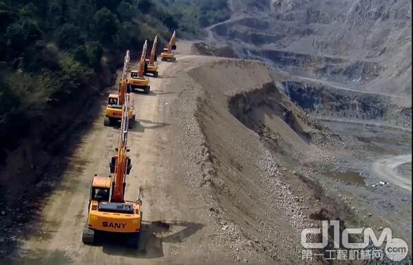 挖机单边行走无力怎么办