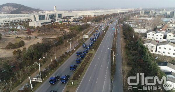 300余台徐工汉风G7牵引车大手笔