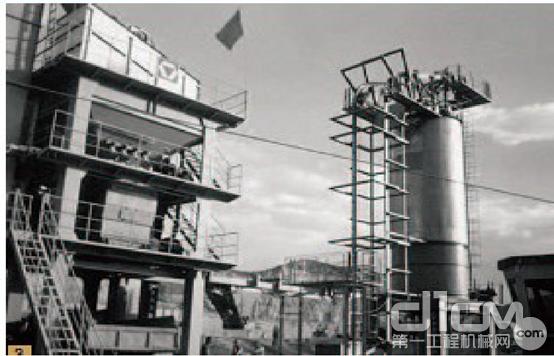 1996年,成为中国最早生产大型沥青拌合站的厂家